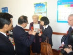 Mayor with Weihai official - April 2012